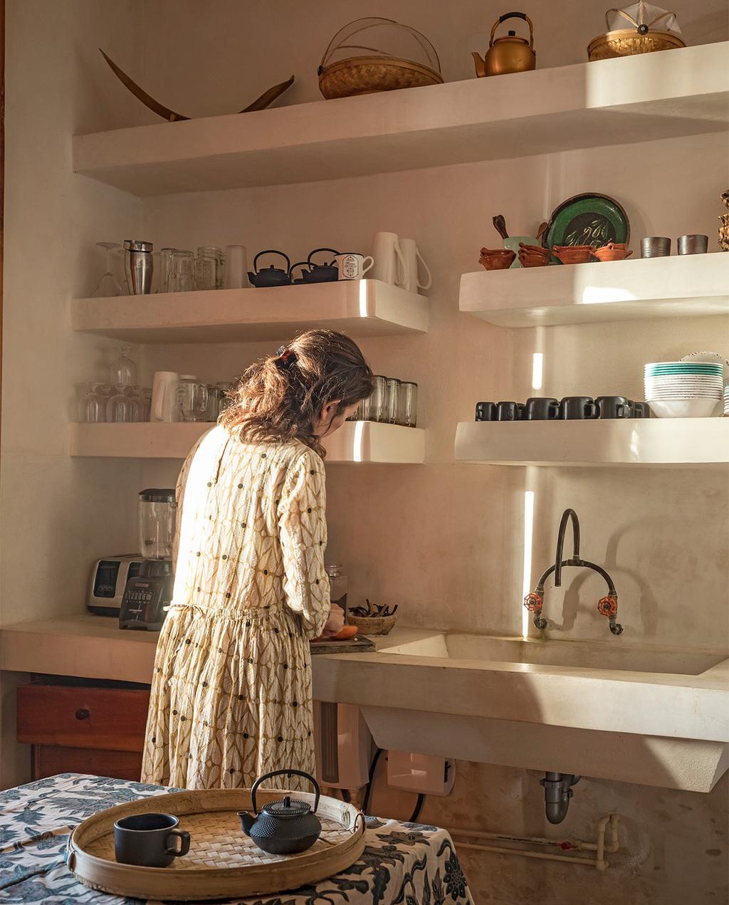 vtwonen casas especiais de verão 07-2021 |  cozinha com cores claras