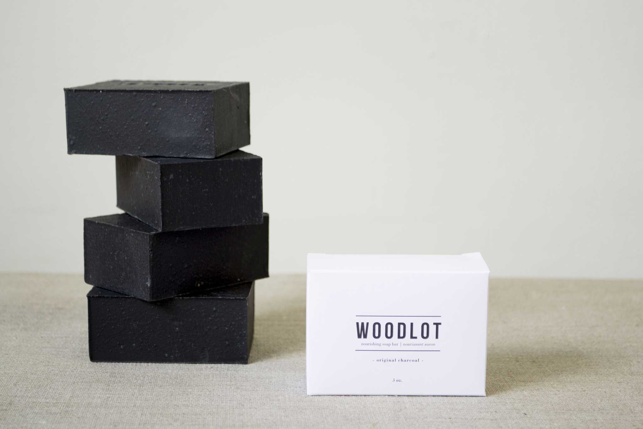duurzame-huidverzorging-woodlot-black-charcoal-soap