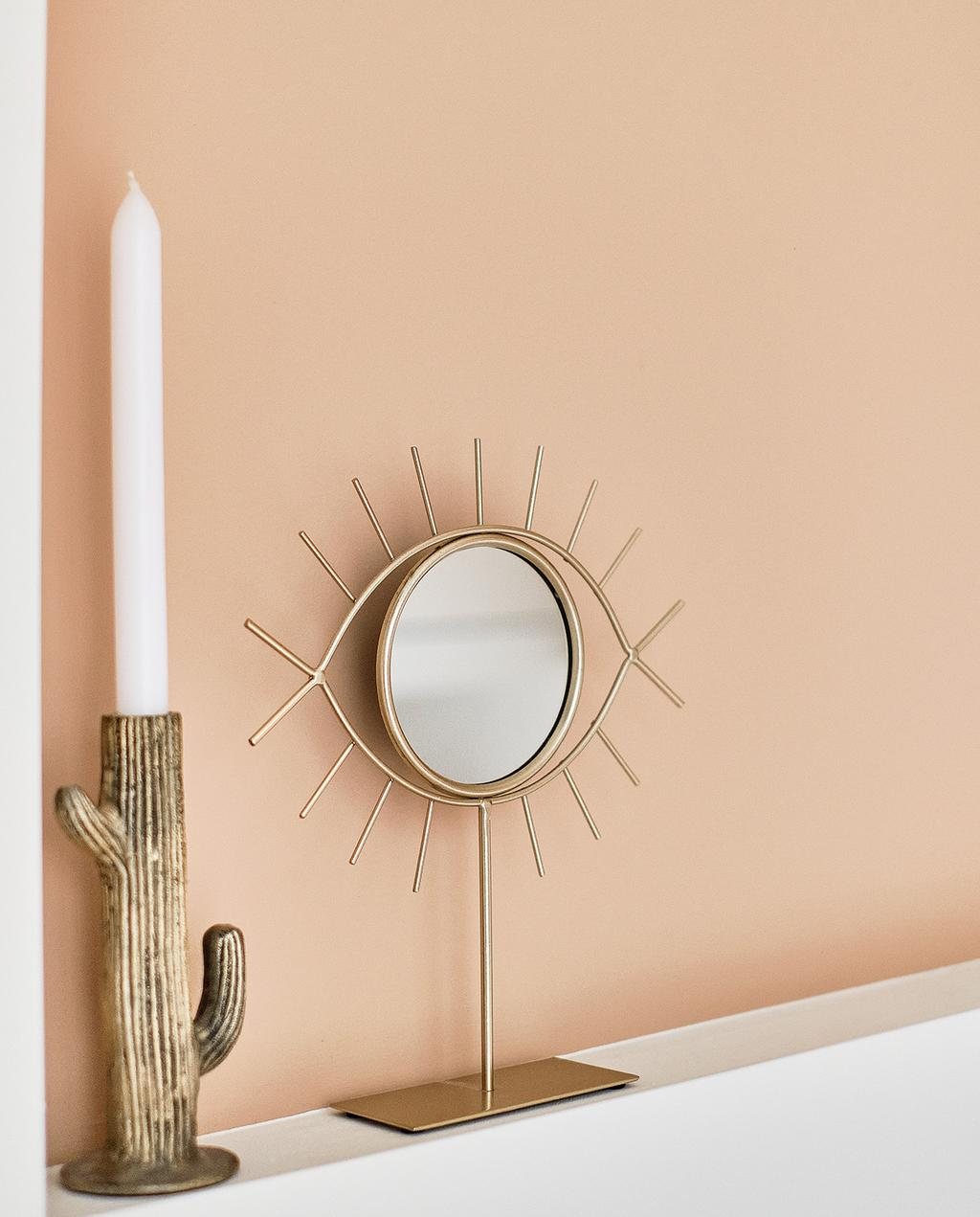vtwonen special tiny houses | spiegel oog kandelaar