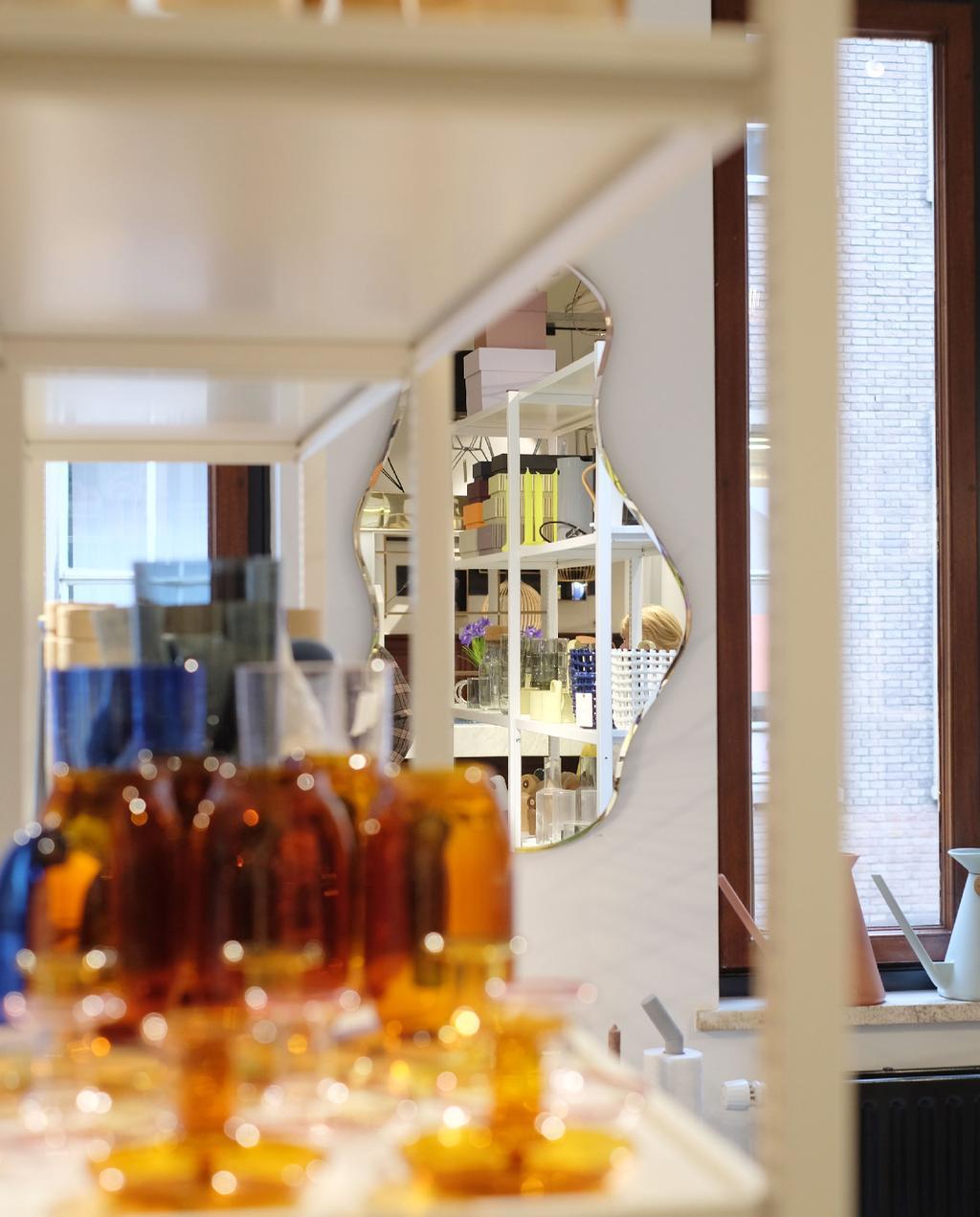 vtwonen blog prchtg | carlos in huis deventer organisch gevormde spiegel