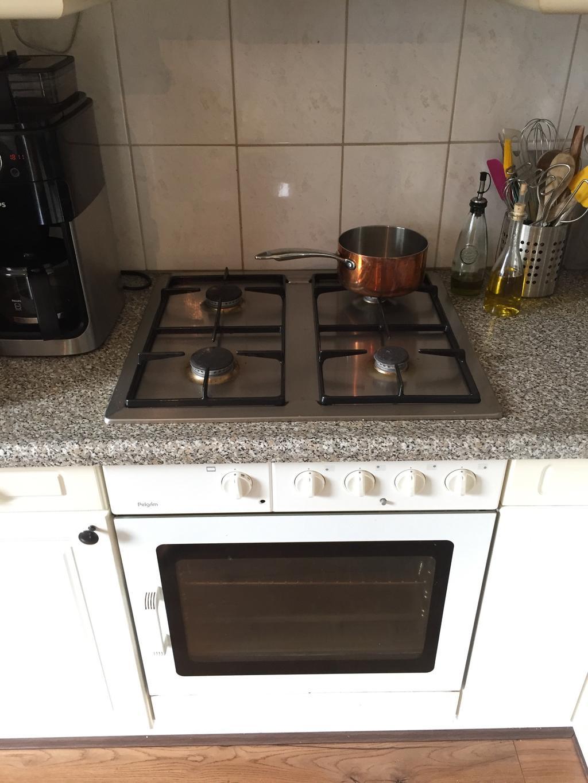dit-is-dus-onze-keuken-van-ruim-25-jaar-oud-we-hebben-verbouwingsplannen-maar-voor-nu-ben-ik-erg-blij-met-deze-oven-die-nog-perfect-werkt