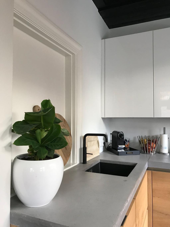 de-1e-foto-s-tonen-hoe-de-keuken-was-wij-hebben-een-muur-weggebroken-en-een-compleet-nieuwe-keuken-geplaatst