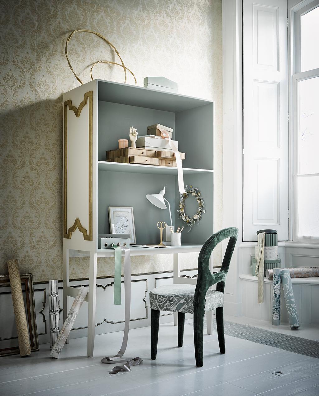 vtwonen 03-2020 stof verf & behang | bureau met fluwelen stoel en print behang