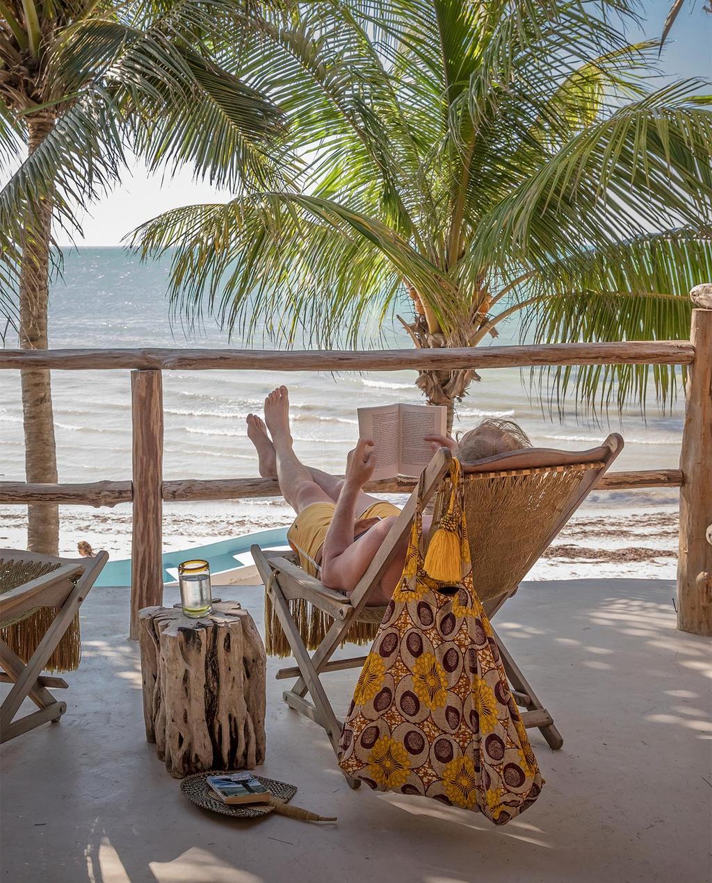 vtwonen casas especiais de verão 07-2021 |  espreguiçadeira na praia