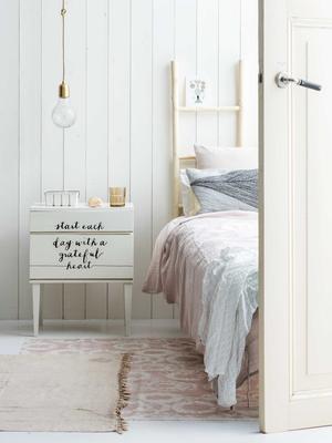 nachtkastje schilderen
