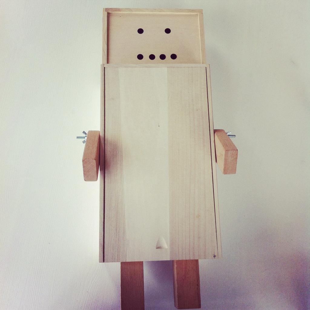 houten robot