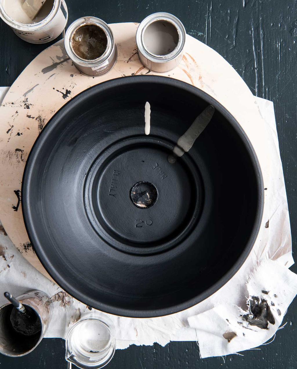 vtwonen 12 - DIY M kandelaar verven