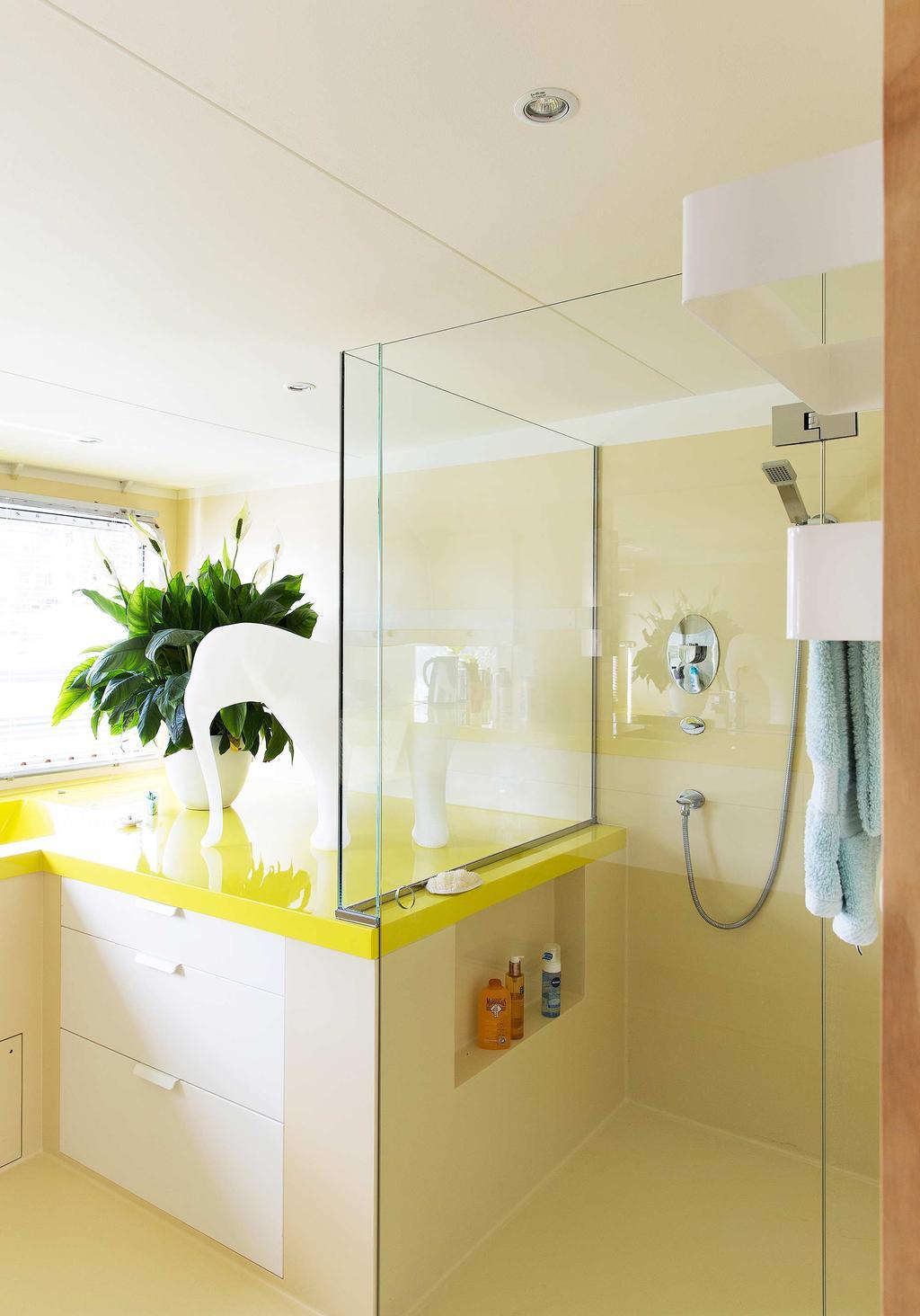 gele badkamer