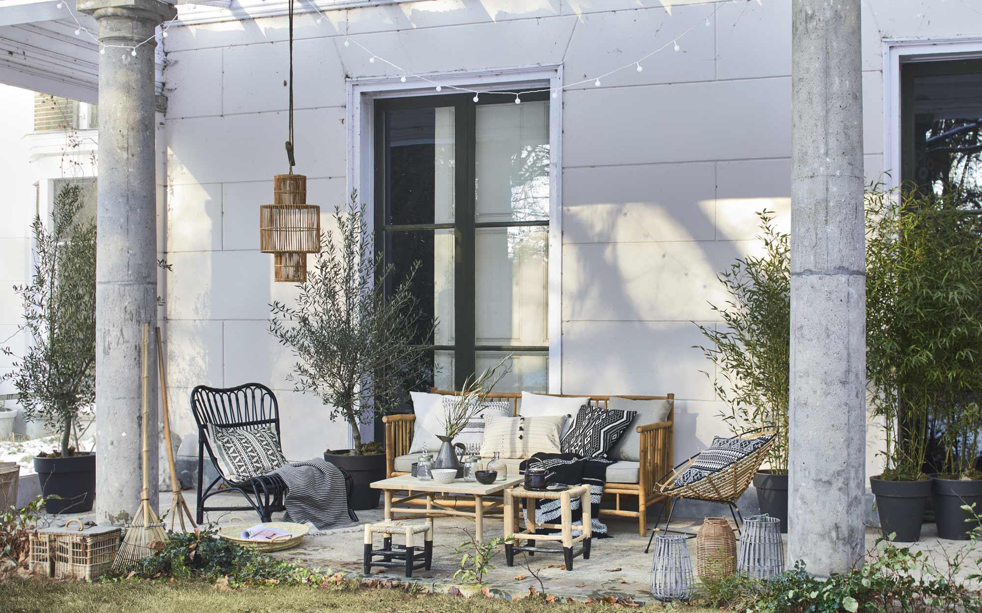 voorjaar tuin lounge