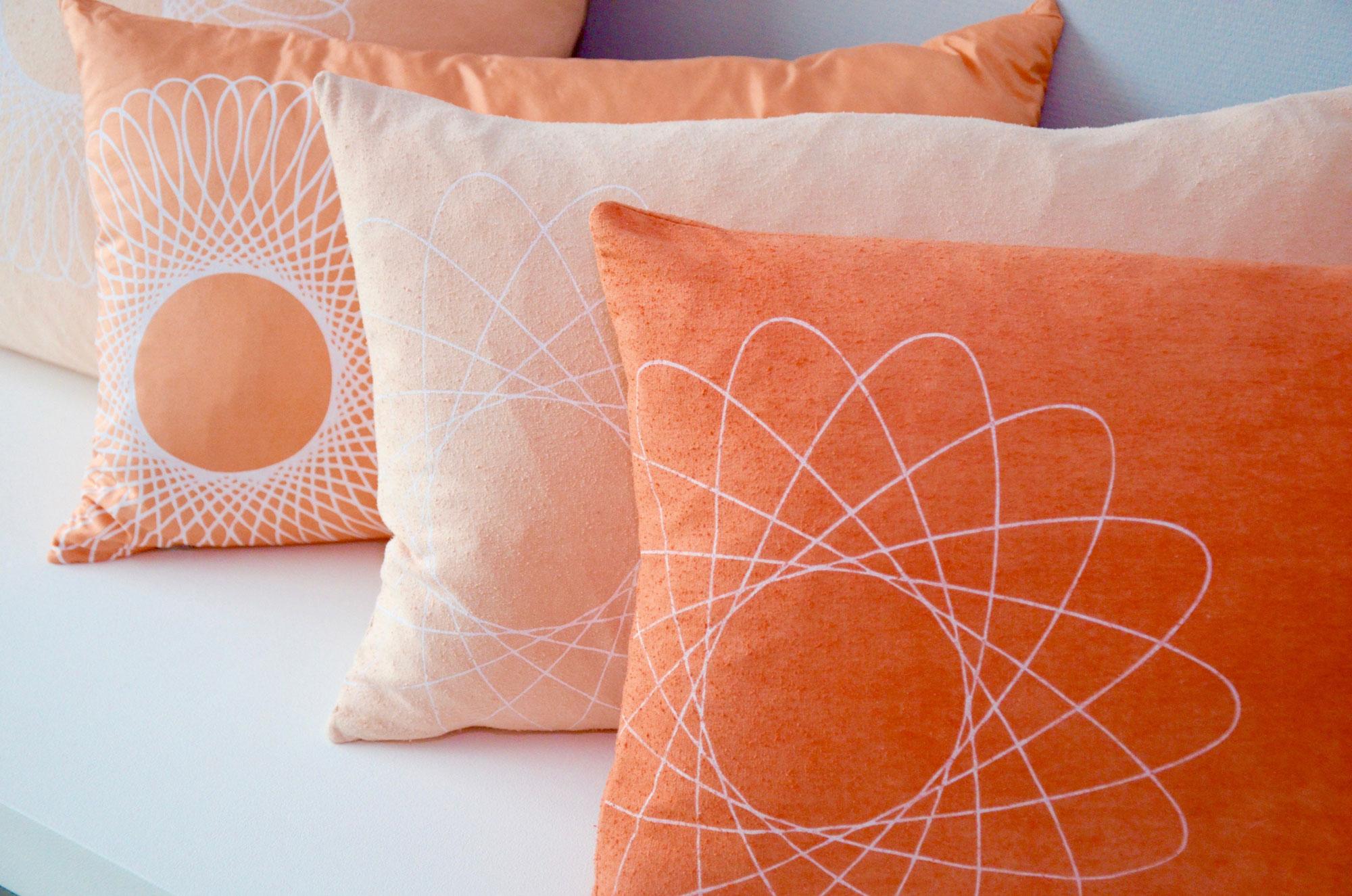 Studio Cotton & Clay - zijde kussens verven met Meekrap