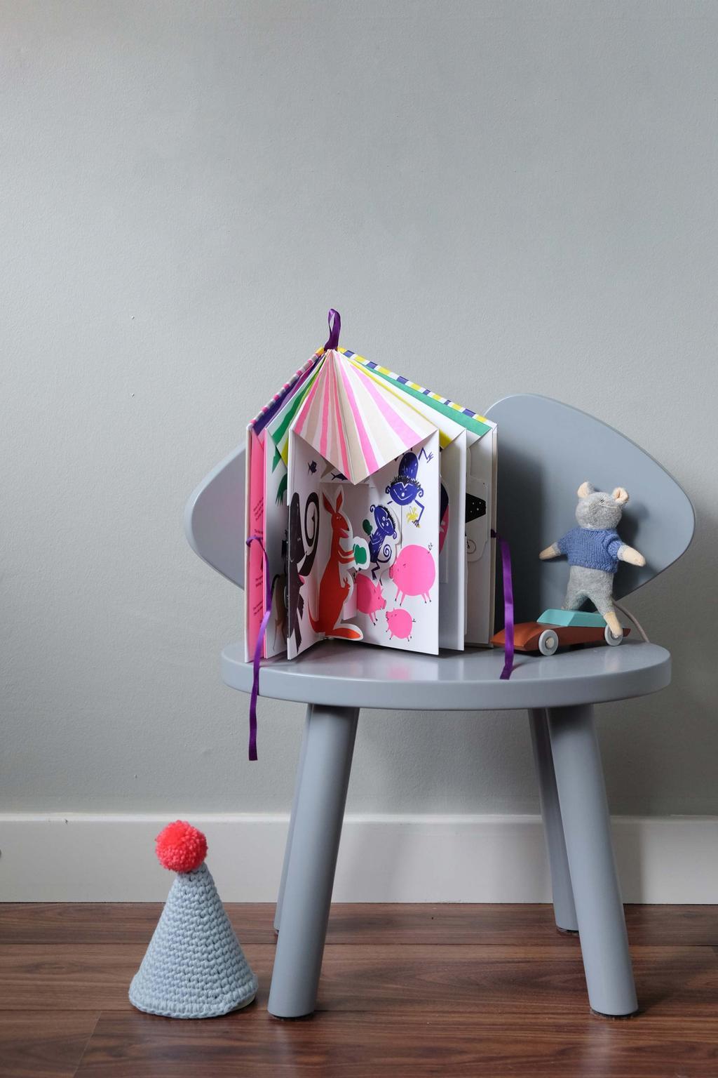 Designspeelgoed: pop-up kinderboek van een circus door Floris Hovers