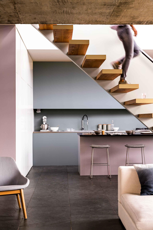 keuken-trap-grijs-roze