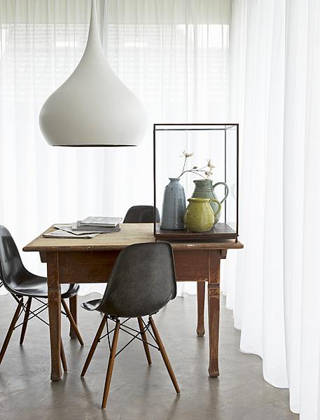 vitrine op tafel