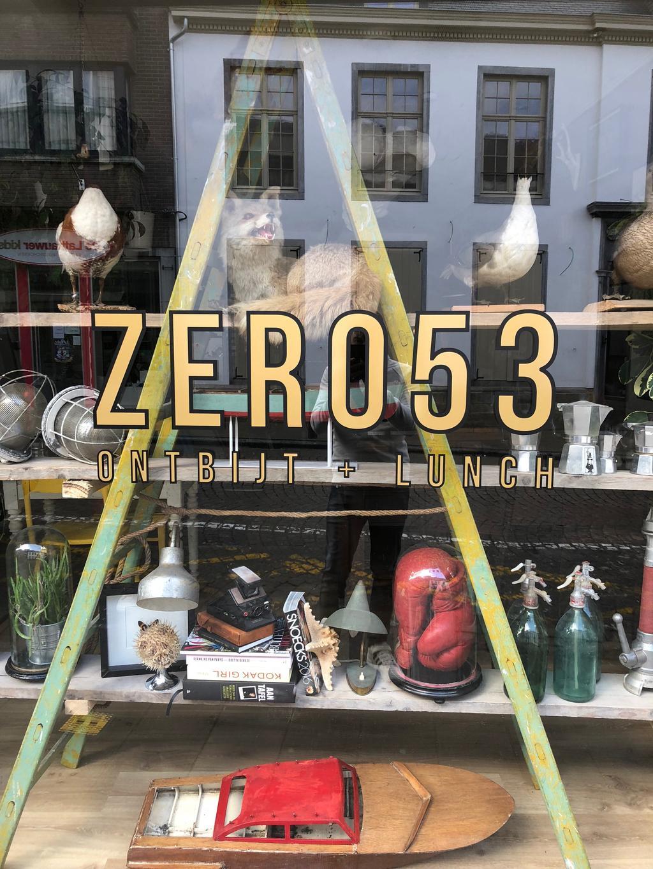 zero53 buitenkant ladderkast met spullen