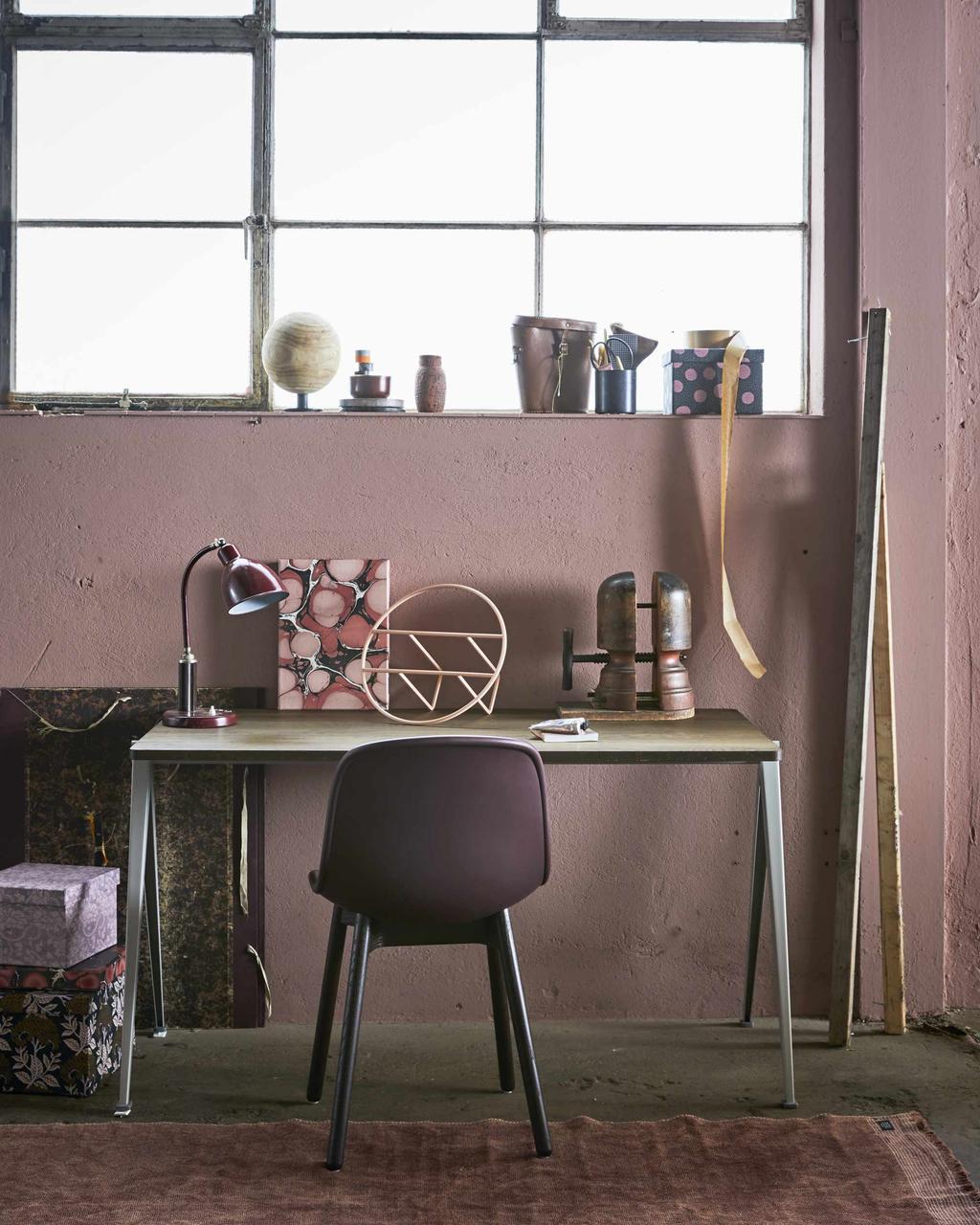 Roze werkplek
