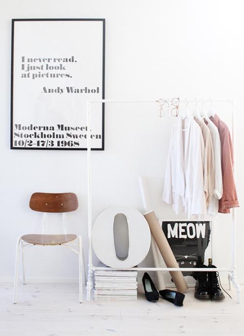 wit kledingrek
