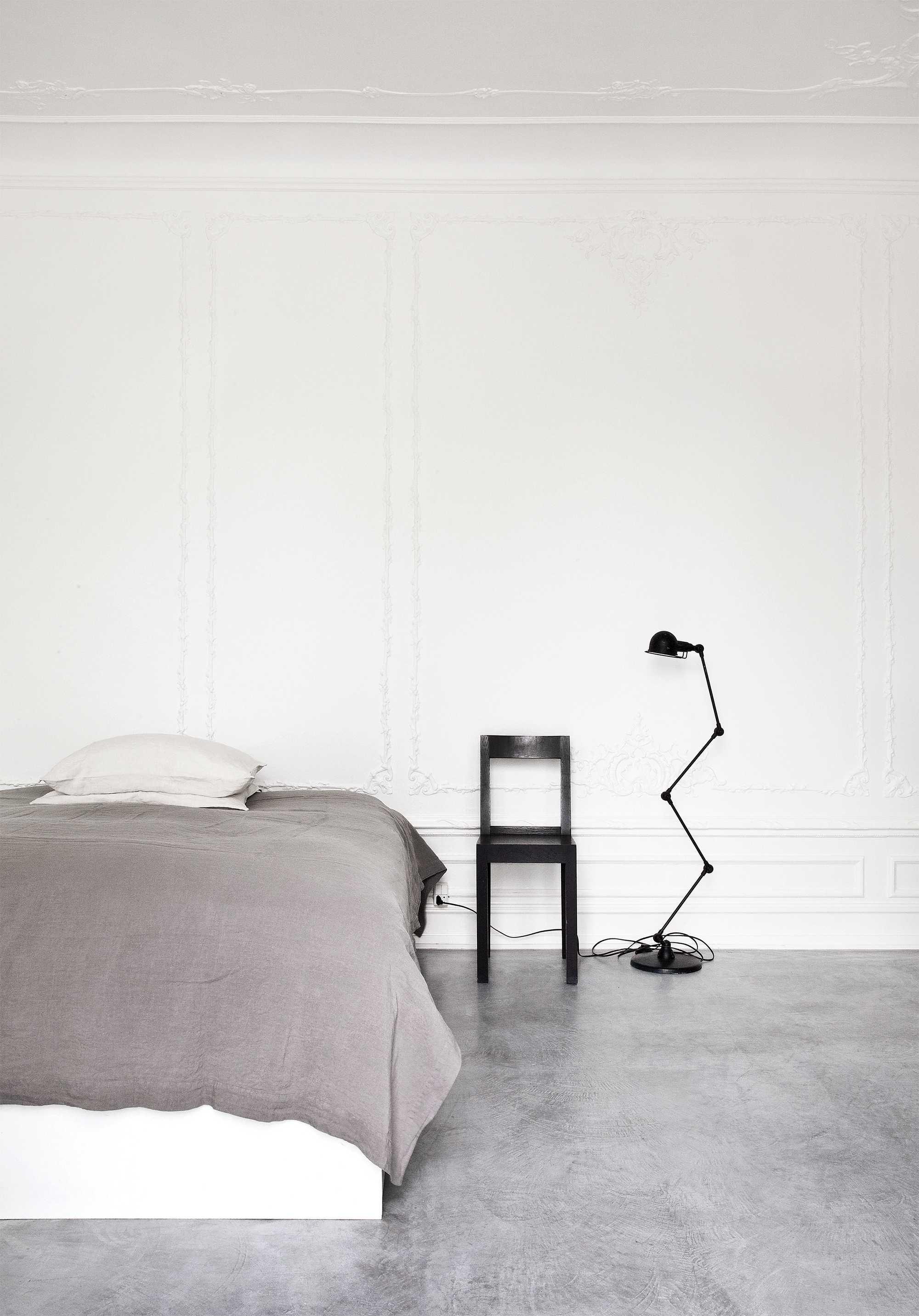 noir chaise lampe