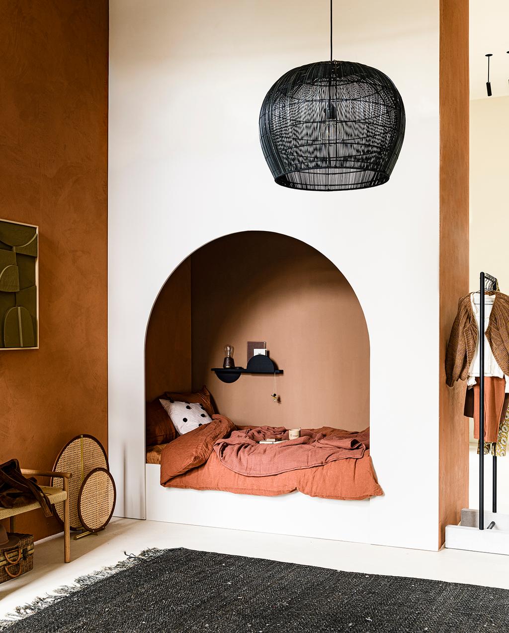 vtwonen 2020 DIY special 2 | bedstee van hout en terra accessoires