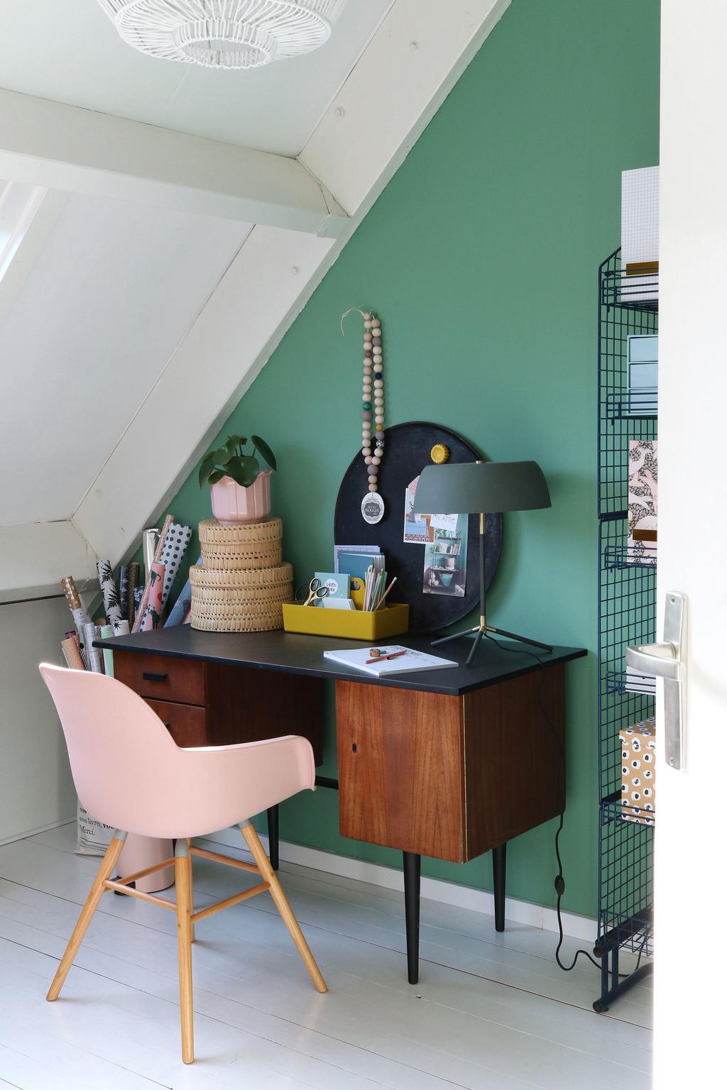 Werkplek in voorjaarshuis van blogger MY ATTIC