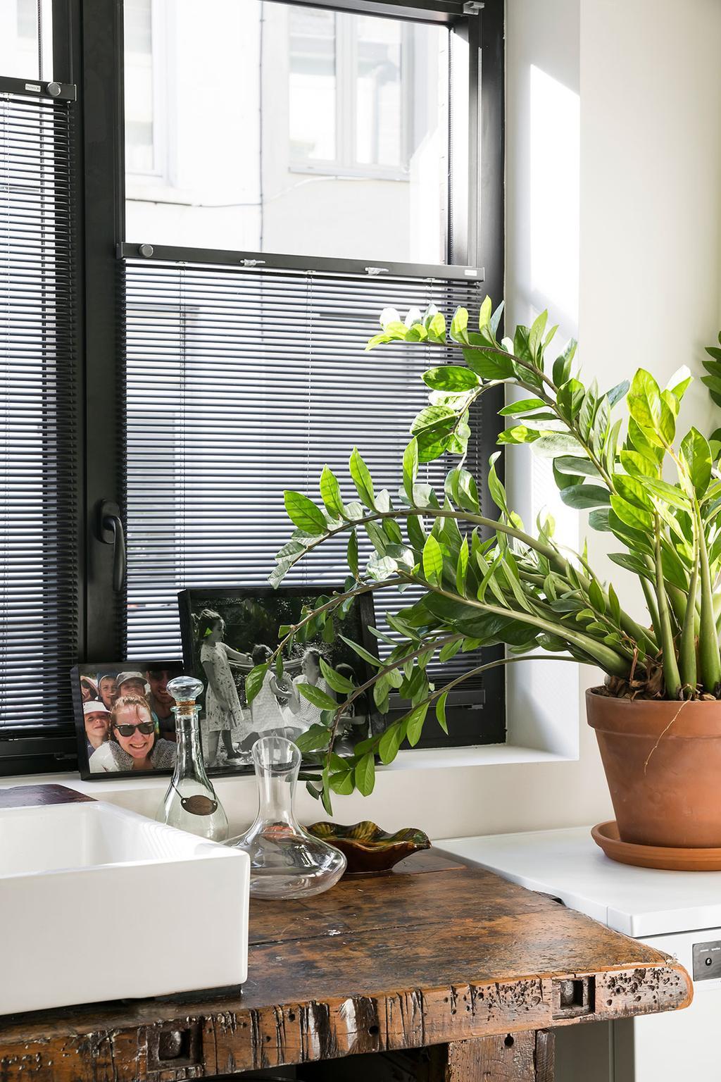 De raamdecoratie van Heytens van Lies en Matthias uit de derde aflevering van het tweede seizoen van Een frisse start met vtwonen.