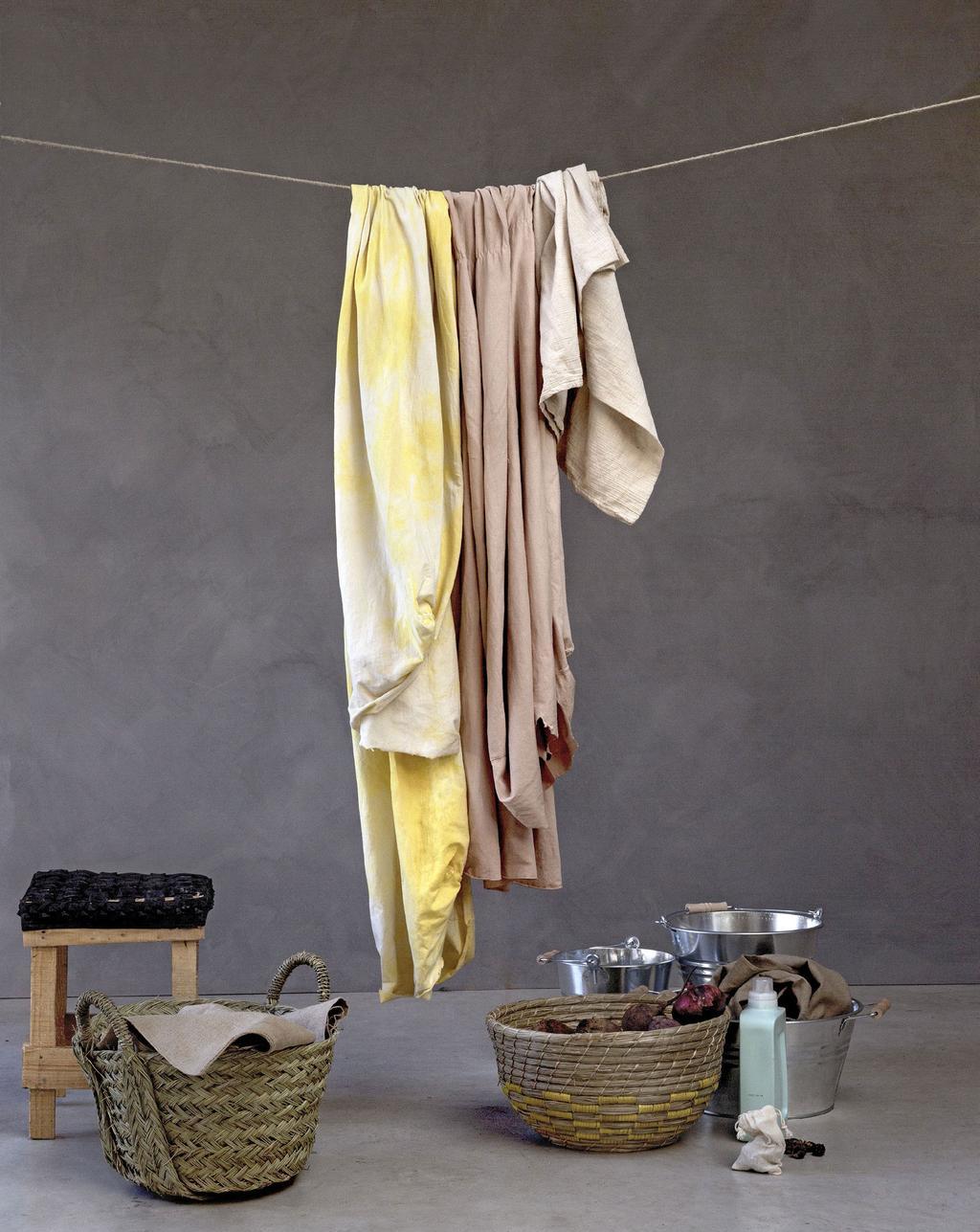 Waslijn geverfde stoffen met wasmand voor een duurzaam interieur