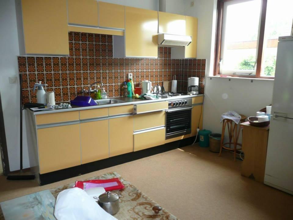de-gele-keuken-was-de-keuken-die-we-aantroffen-in-het-huis-de-ander-2-foto-s-is-hoe-het-er-nu-uitziet