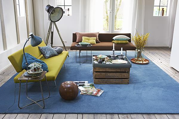 blauw tapijt