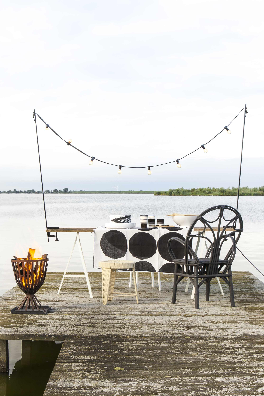table au bord de l eau