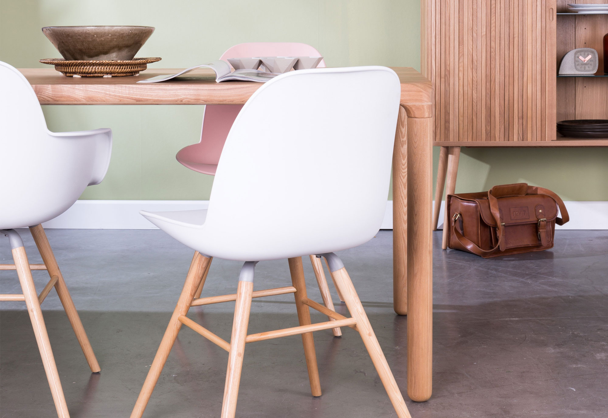Witte kuipstoelen: mix and match