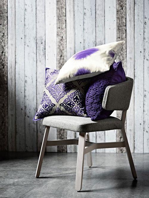 7.-trendkleur-Pantone-Radiant-Orchid-accessoires-kussens