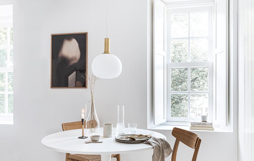 vtwonen 13-2019 | DIY raamluiken gedecoreerde tafel