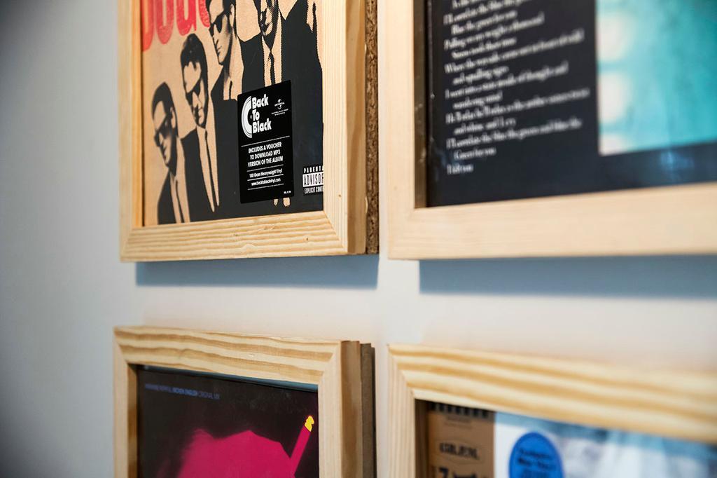DIY LP-kader / Een frisse start met vtwonen / Jonah Samyn