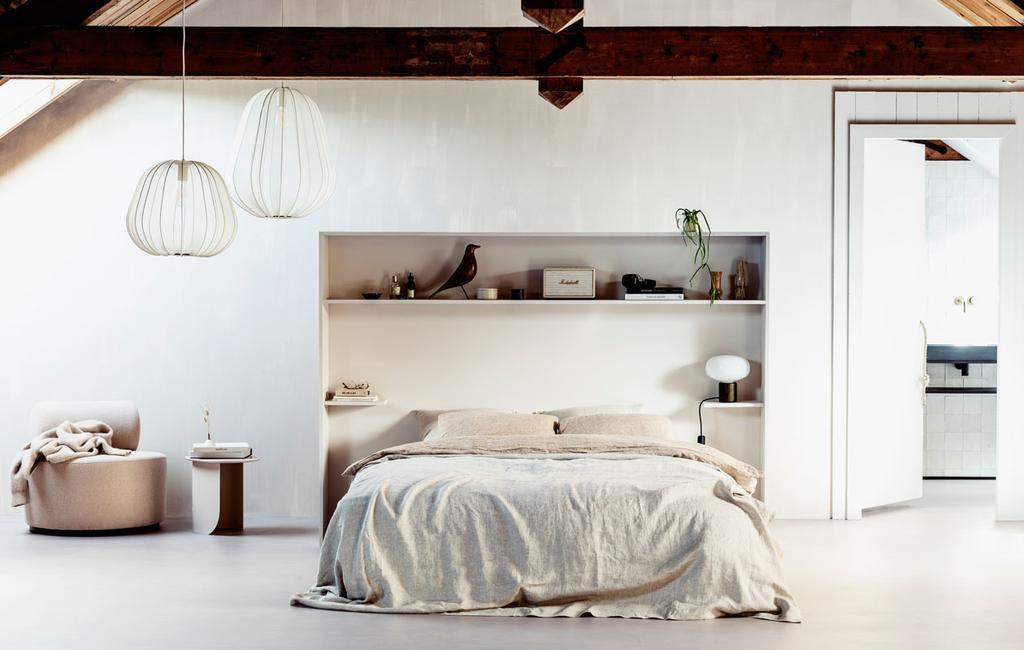 vtwonen 11-2019 | DIY large bed achterwand kastenwand slaapkamer