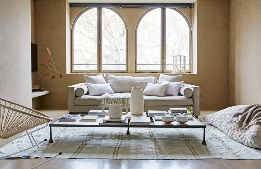 Espace salon beige blanc gris.