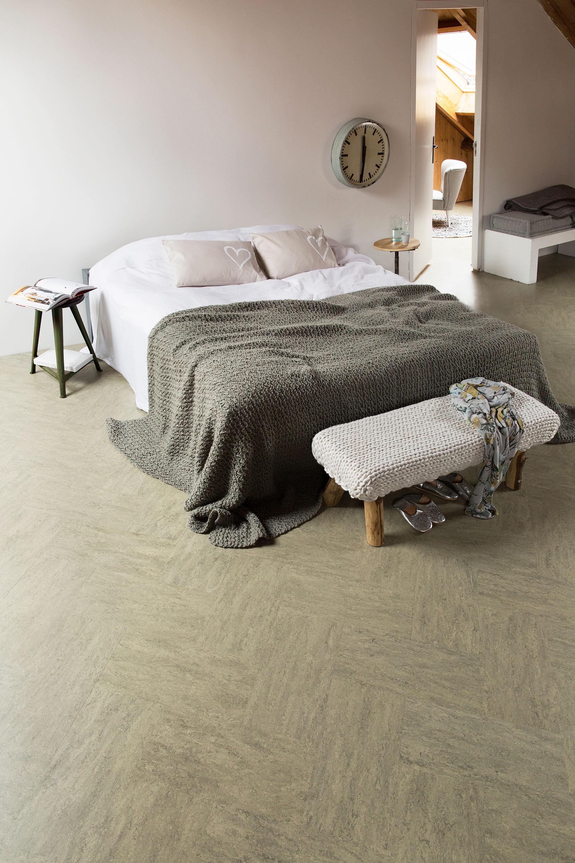 marmoleum-vloer-in-slaapkamer