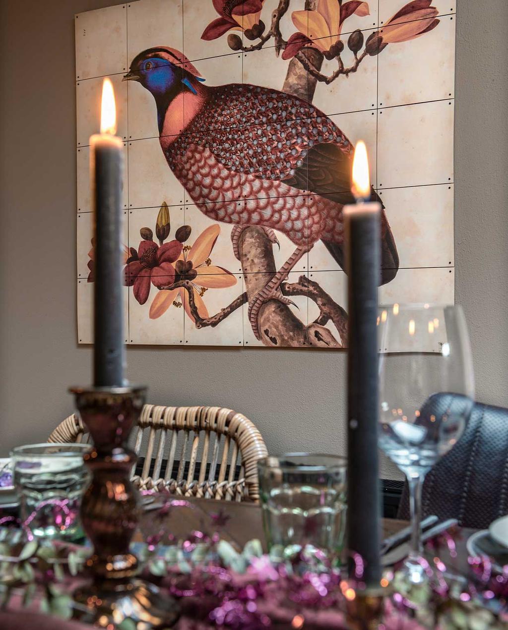 vtwonen 2020-12   Binnenkijken kersthuis   Gedekte tafel met kaarsen