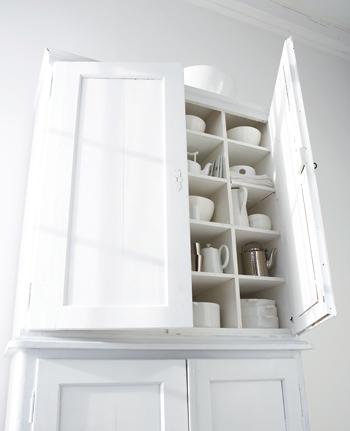 witte oude keukenkast