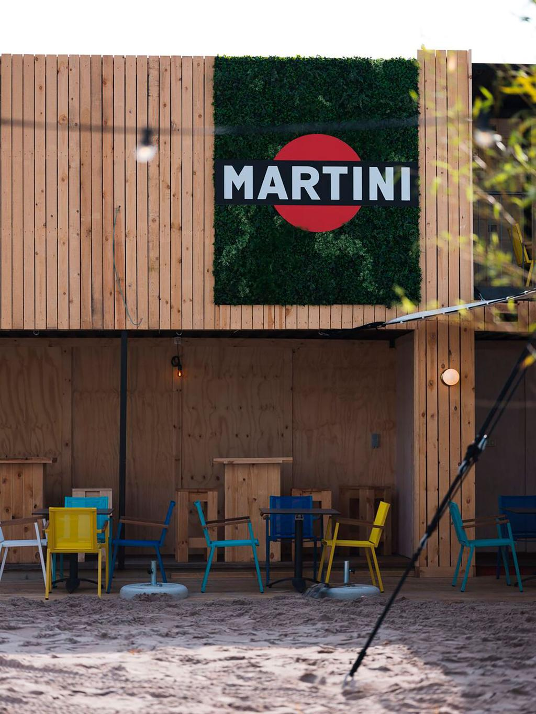Terras met stoelen bij Regatta in Antwerpen