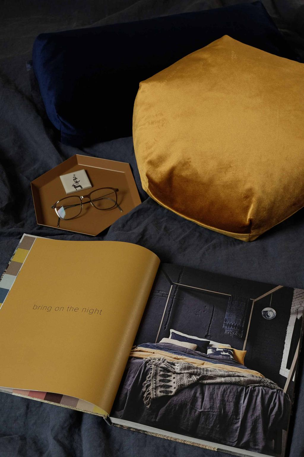 Koffietafelboek HOME geel - feestkalender
