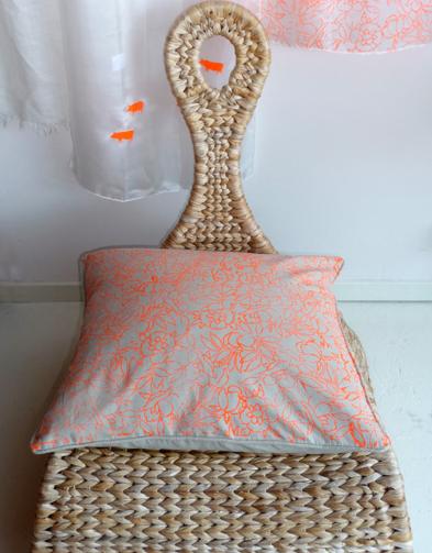 oranje kussen
