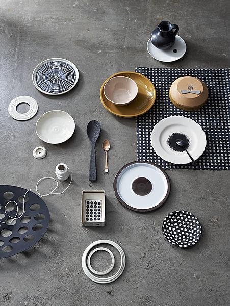 stippen servies zwart wit aardetinten