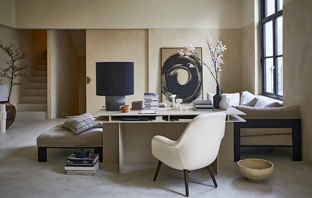 vtwonen 04-2021 | fauteuil aan bureau voor thuiswerken