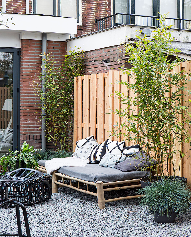 tuinbank-schutting-tuin-loungebank-bamboe-vtwonen