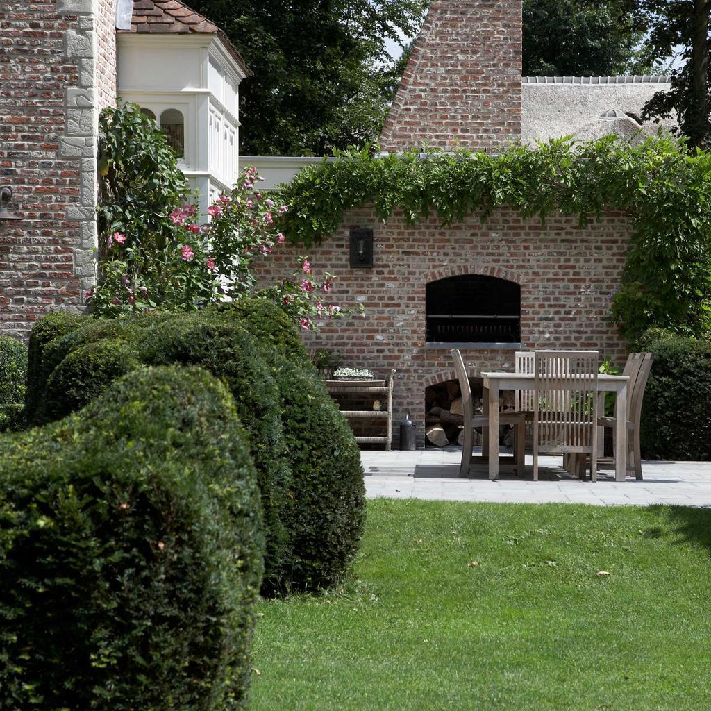 terrassen ludo dierckx groen rozen barbecue