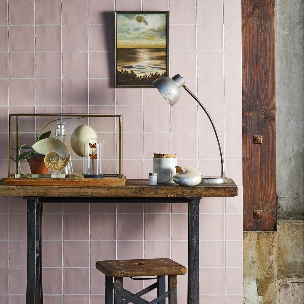 Tegel roze vtwonen collectie | tegels op ander plekken dan de keuken of badkamer