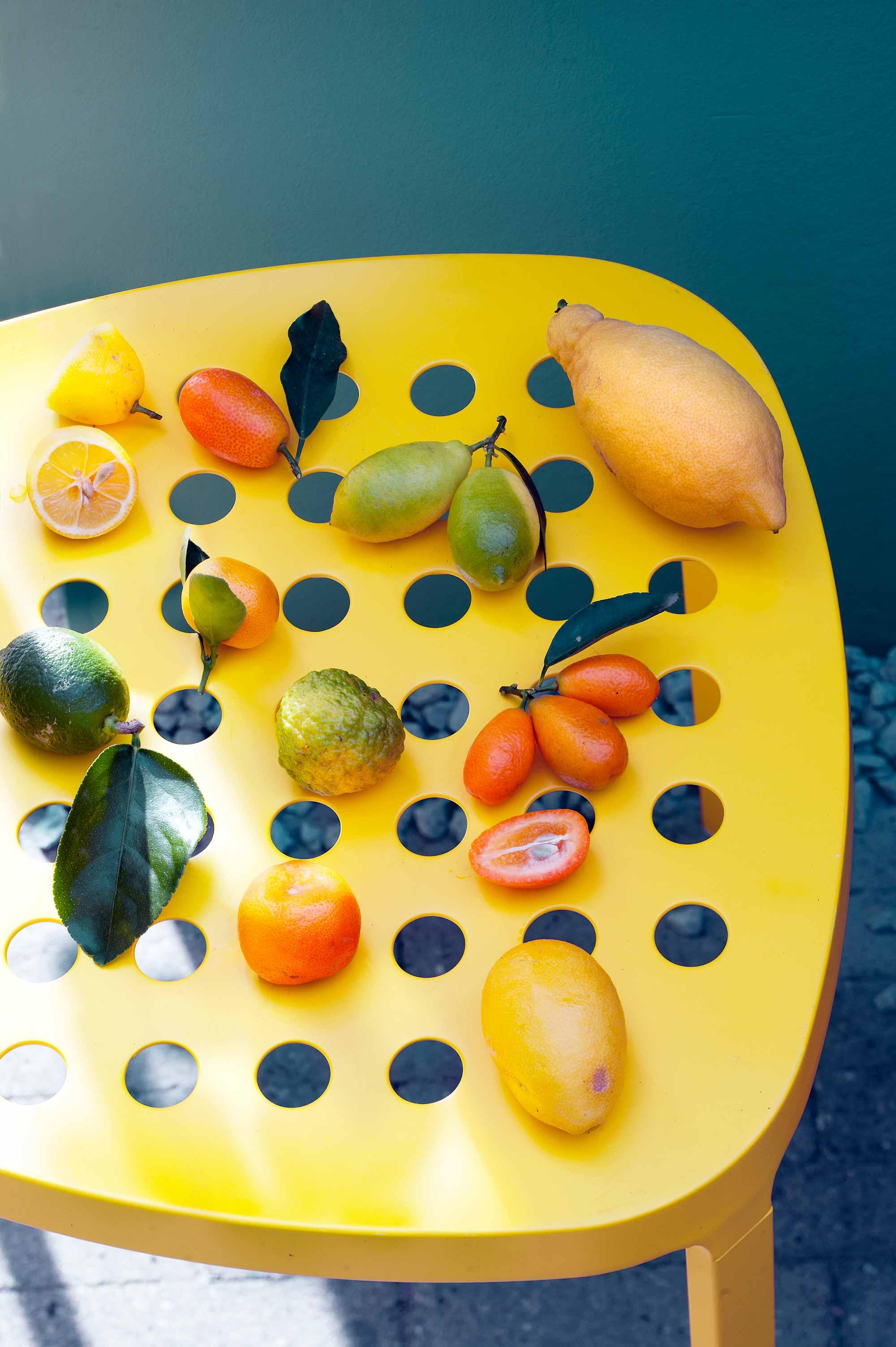 citrus fruit geel tafel