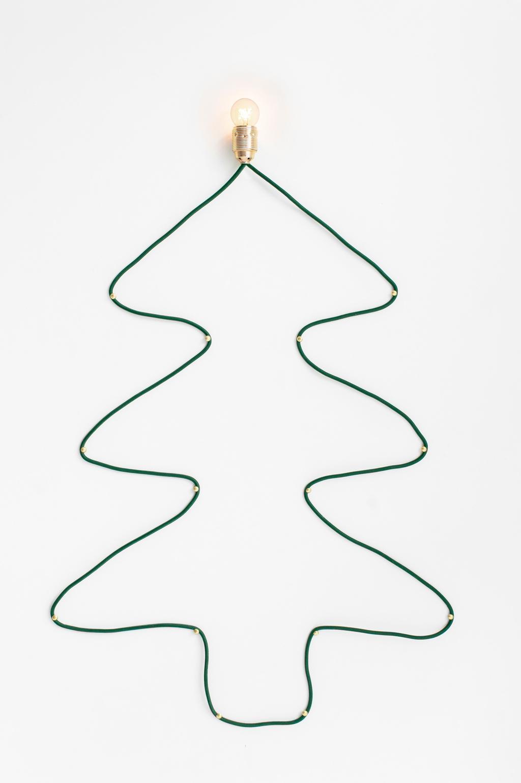 Kerst DIY kerstboom van strijkijzerdraad door blogger Tanja van Hoogdalem.