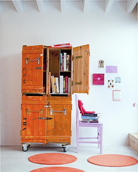 oranje kast kisten