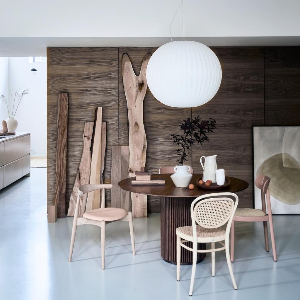 Hanglamp ophangen in een Scandinavisch interieur