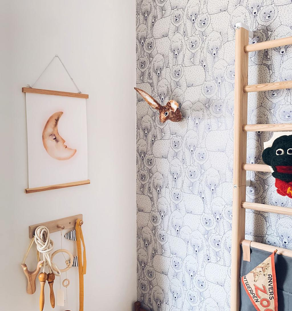 Dierenkop uit papier-maché en dromenvanger als wall units